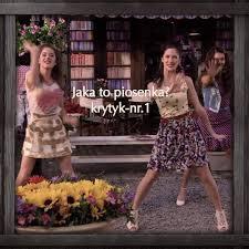 Znalezione obrazy dla zapytania zdj z piosenki Junto A Ti vilu i fran