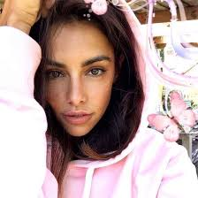 Ashley Bella | Ashley Del mundo | Pages Directory