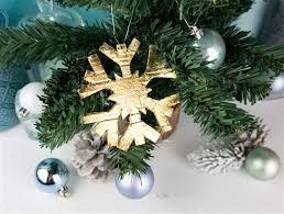 Diy Weihnachtsbaumschmuck Schneeflocken Mit Blattgold
