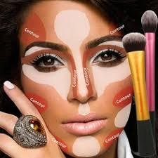 sebagai cewek normal sudah selayaknya kita wajib menggunakan make up pada saat ke pesta atau jalan jalan ke tempat yang dan susah di lewatkan