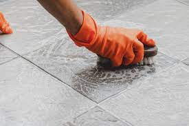 safely remove bathroom mold