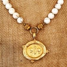 susan shaw jewelry euc susanshaw white turquoise bee pendant necklace