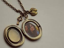 picture locket necklace next prev a present for my grandmother free tutorial with pictures on how to make