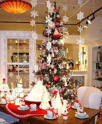 Choosing Unique Christmas Centerpieces for Table in Dining Room : Stunning  Dining Room Ideas With Christmas