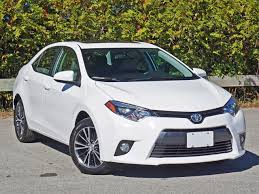 2016 Toyota Corolla LE Road Test Review | CarCostCanada