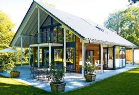 I love the design of this German home - traditional and modern at the same  time