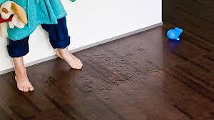 Denn auch hier besteht die dickste schicht, die trägerschicht, aus einer holzfaserplatte. Den Richtigen Bodenbelag Finden Parkett Laminat Oder Korkboden