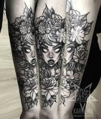 Neo Traditional Tattoo девушка и цветы на руке сделать тату у