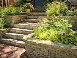 build and waterproof a retaining wall