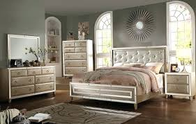 Mirrored Headboard And Silver Bedroom Furniture On Mirrored ...