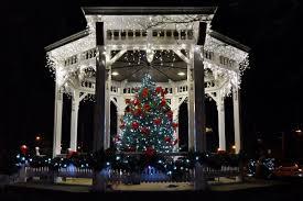 Chardon Christmas Tree Lighting Chardon Celebrates Christmas Chardon Chagrinvalleytoday Com