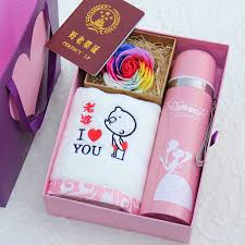 birthday gift to send s wife friend romantic ideas for her husband boyfriend boys practical gifts