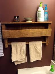 Coat Rack Part 100 Dreamy Pallet Ideas to Reuse old Pallets Pallet bathroom Coat 39
