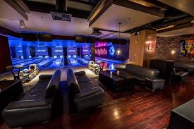 lucky strike lounge and lanes