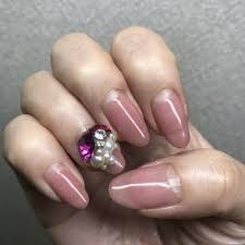 春のトレンドカラーすみれ色ラベンダーカラー藤色 渋谷区
