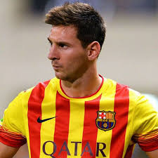 The messi fringe is a hairstyle for men with messi curly hair. The Best Lionel Messi Haircuts Hairstyles 2021 Update Lionel Messi Messi Lionel Messi Barcelona