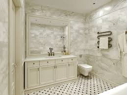 Elsternwick House: Nice bathroom. Marble-look tiles are fresh and light.  Wood