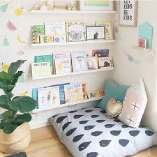 Love this reading nook from @peachyparade! It is really important that kids  are comfy