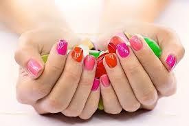 Gelové Nehty V Trendových Barvách Pro Léto 2015 Salóny Krásy