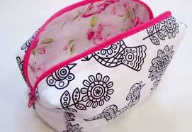 cool crafts for s diy makeup bag tutorial easy sewing project for beginners