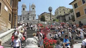 Reagierte sofort und finanzierte den bau. Spanische Treppe In Rom Wiedereroffnet Schutz Vor Neuem Dreck News Evenements 734905