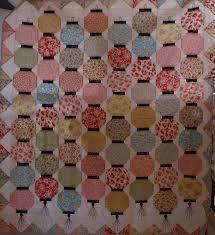 Loving my Lantern quilt   Sew darn over it & Lantern tassel Adamdwight.com