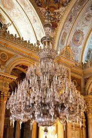 worlds largest chandelier 6 of the best chandeliers to admire worlds largest indoor chandelier worlds largest chandelier