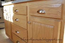 Kitchen Cabinets With Knobs Bloggerluvcom