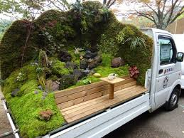 Beautiful gardens in the back of Japanese mini pickup trucks / Boing ...