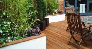 beautiful retaining wall wooden capping