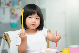 พัฒนาการลูกน้อยวัย 3 ขวบ เด็กวัยอนุบาลมีพัฒนาการที่สำคัญอะไรบ้าง