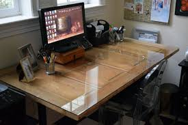 Upcycle an old door to create a fantastic desk. An easy DIY project for your