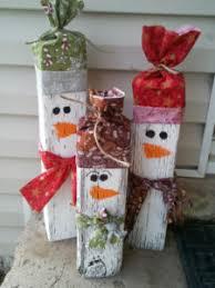 outdoor-snowman2. Wood Block Snowmen 100 Best Outdoor DIY Christmas Decorations - Prudent Penny Pincher