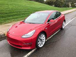 Millennials are piling into Tesla ...