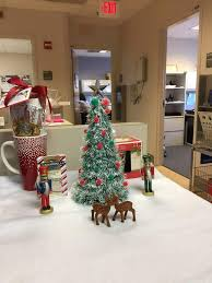 decorate office for christmas. Nutcrackers With Christmas Tree And Reindeer For Office Decorate