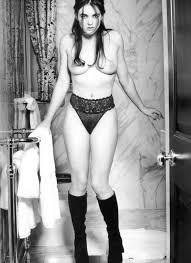 Throwback Elizabeth Hurley Nude Portrait NSFW Celebs