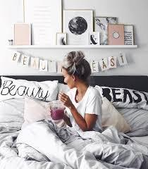Plain Bedroom Decorating Ideas For Teenage Girls Tumblr Pinterest Diana Alekseyenko Httpswwwfacebookcomshorthaircutstyles Room Goalsteen Makeoverdiy Inside Design