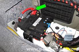 bmw 325xi fuse box on bmw images free download wiring diagrams 2006 Bmw 325i Fuse Box bmw e90 battery replacement bmw wagon bmw 325 fuse box 2006 bmw 325i fuse box diagram