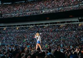 Taylor Swift Dazzles At Heinz Field Once Again With 1989