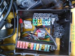 fuse box main fuse line up electrical forum peugeot gti  the wiring is from a phase 3 gti 6