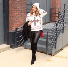 easy outfit ideas those faux leather leggings
