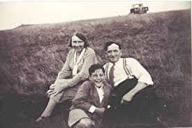 Holt & Draper | Redbourn Groups by surname D-F, Redbourn Groups by surname  G-I | Herts Memories