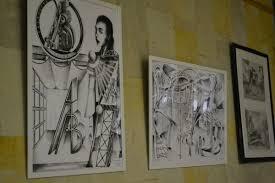 Масштабная выставка дипломных работ открылась в Доме детского  В этом году среди дипломных работ была очень популярна цветочная тематика в различных техниках и воплощениях цветы для интерьера написанные сухой пастелью