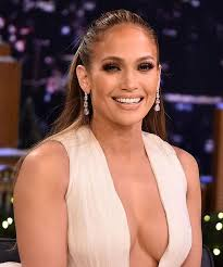 all the beauty looks we re pinning from j lo s second act press tour