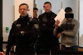 Oktober äußert die der täter hatte unerkannt entkommen können. Messerattacke Von Dresden Anklage Gegen Touristen Morder Tag24