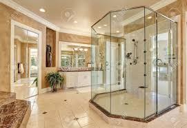 Schöne Luxus Marmor Badezimmer Interieur In Beige Farbe Große Glas