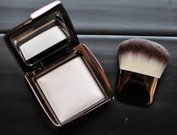 from the sleekly designed packaging to spectacular performance of makeup ambient light is pretty much perfection