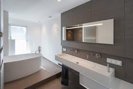 Moderne Badezimmer Grundrisse Drewkasunic Designs