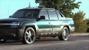 chevy avalanche lowered on 24's - YouTube