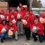 stew leonard s s give away 2 500 turkeys sw connecticut